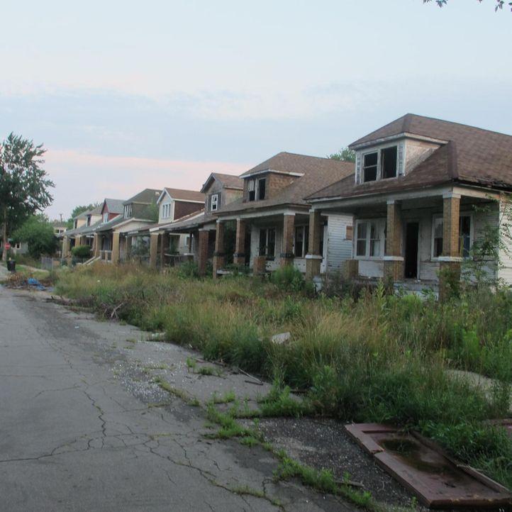 """Anthony Bourdain reist nach Detroit. Dort erforscht er die glorreichen Zeiten von """"Motor City"""" und trifft Menschen, die alles dafür tun, ihre Vierte... - Bildquelle: 2013 Cable News Network, Inc. A TimeWarner Company. All rights reserved."""