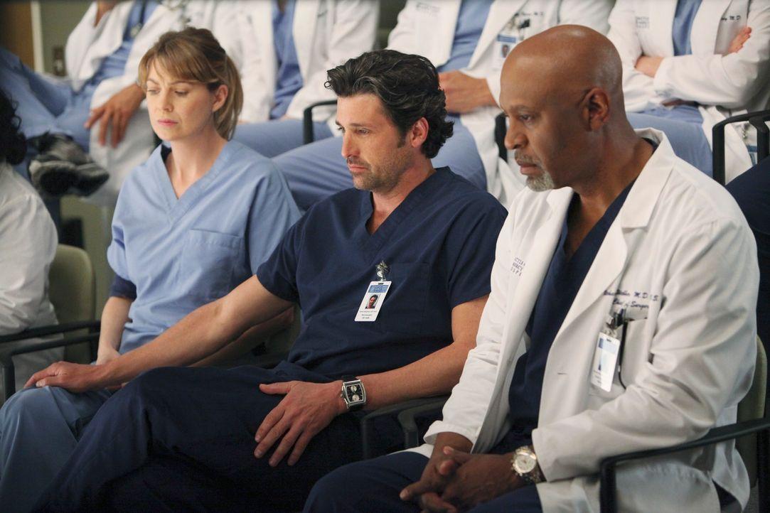 Der Amoklauf an einem Collage reist bei den Ärzten alte Wunden auf: Meredith (Ellen Pompeo, l.), Derek (Patrick Dempsey, M.) und Webber (James Picke... - Bildquelle: ABC Studios