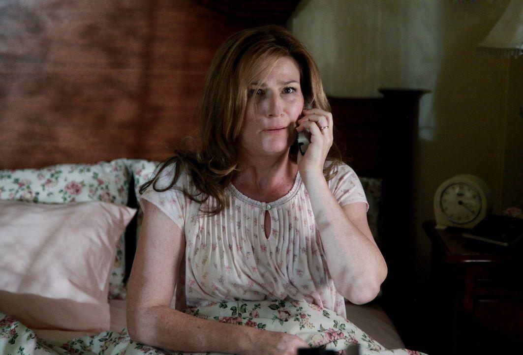 Hat ihrem Mann Fred fest im Griff: Sheila (Ana Gasteyer) ... - Bildquelle: Warner Bros. Television