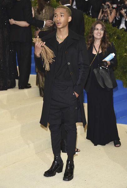 Bild: dpaJaden Smith überraschte auf der Gala mit einem besonders ausgefalle...