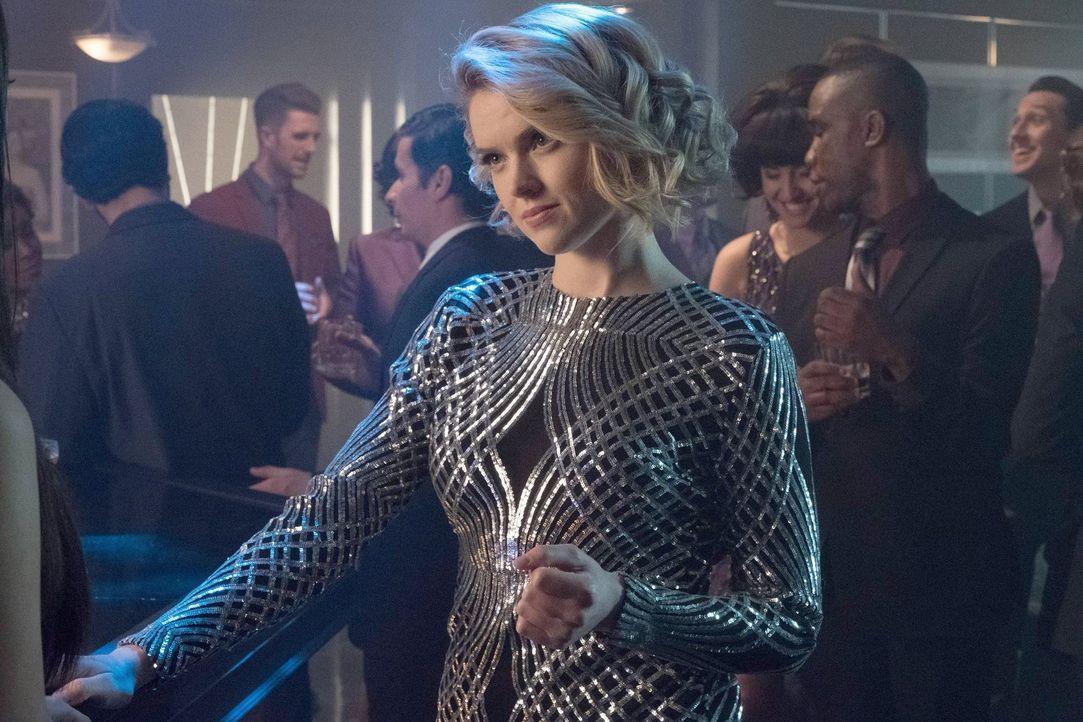 Mit ihr ist nicht zu spaßen: Barbara (Erin Richards) ... - Bildquelle: Warner Brothers