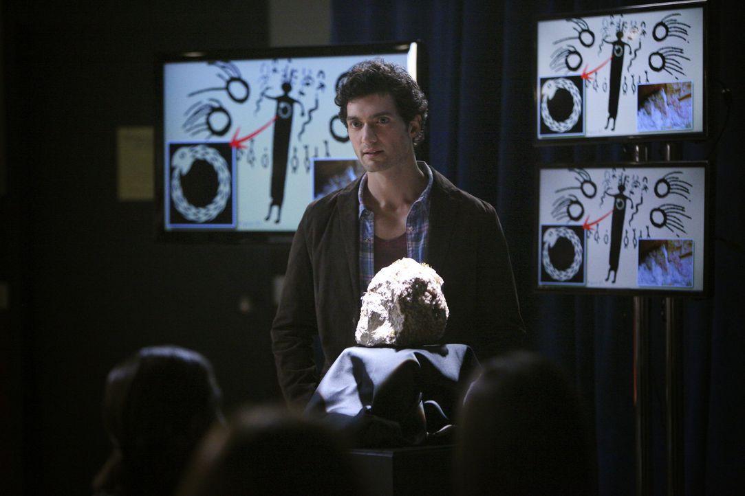 Professor Shane in der Univeristät - Bildquelle: Warner Bros. Entertainment Inc.