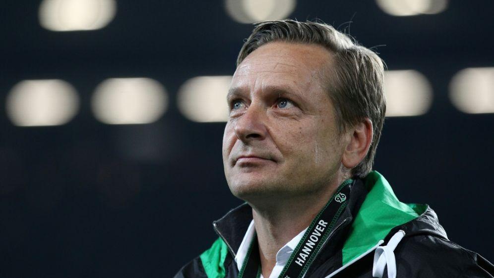 Horst Heldt kritisiert möglichen neuen Wettbewerb - Bildquelle: FIROFIROSID