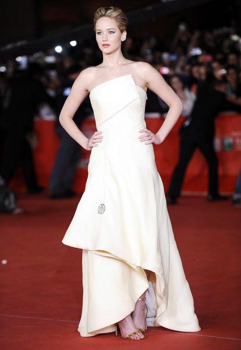 Jennifer-Lawrence-Tribute2-Premiere-Rom-131114-1-dpa - Bildquelle: dpa
