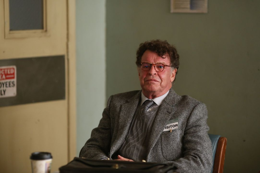 Henry (John Noble) macht Irving ein unmoralisches und gleichzeitig verlockendes Angebot ... - Bildquelle: 2014 Fox and its related entities. All rights reserved