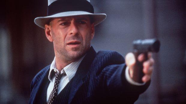 John Smith (Bruce Willis) lässt sich von beiden rivalisierenden Gangsterbande...