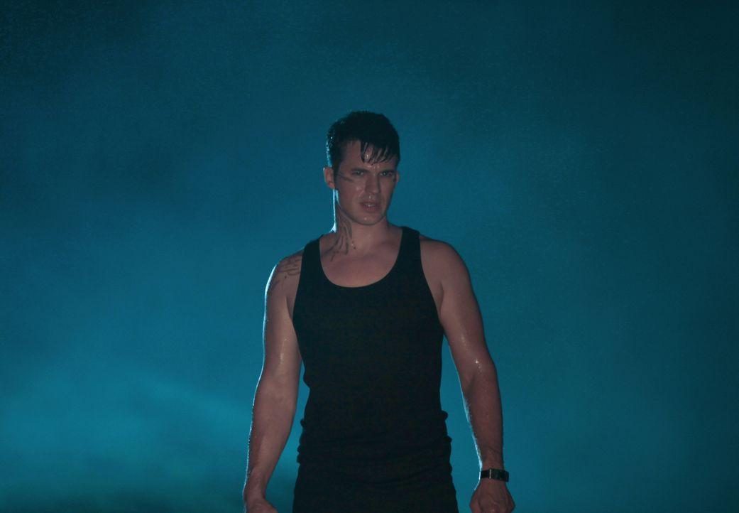 Nachdem Roman (Matt Lanter) die Identität von Zoe aufdeckt, gerät er ins Fadenkreuz der Tregs. Wird Drake wirklich seinen besten Freund aus dem Weg... - Bildquelle: 2014 The CW Network, LLC. All rights reserved.
