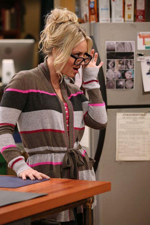 Ist entsetzt, dass Leonard von Sheldons Assistentin Alex angebaggert wird und ihm das auch noch gefällt: Penny (Kaley Cuoco) ... - Bildquelle: Warner Bros. Television