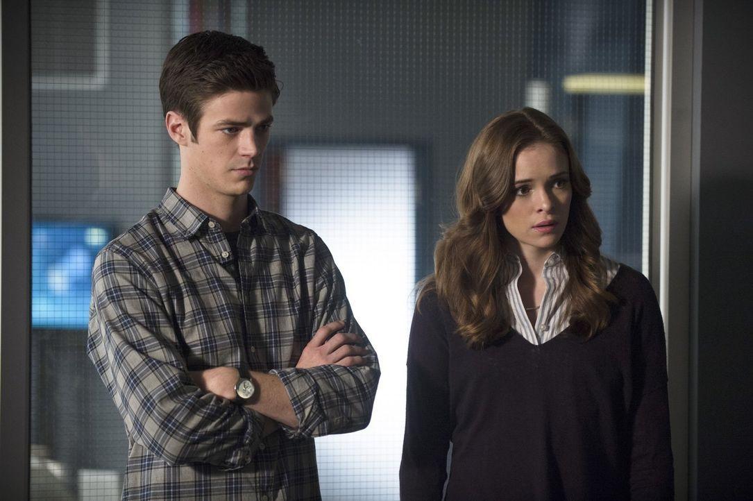 Sowohl Caitlin (Danielle Panabaker, r.), als auch Barry (Grant Gustin, l.) haben mit Gefühlen zu kämpfen - mit ihren eigenen und mit denen ganz best... - Bildquelle: Warner Brothers.