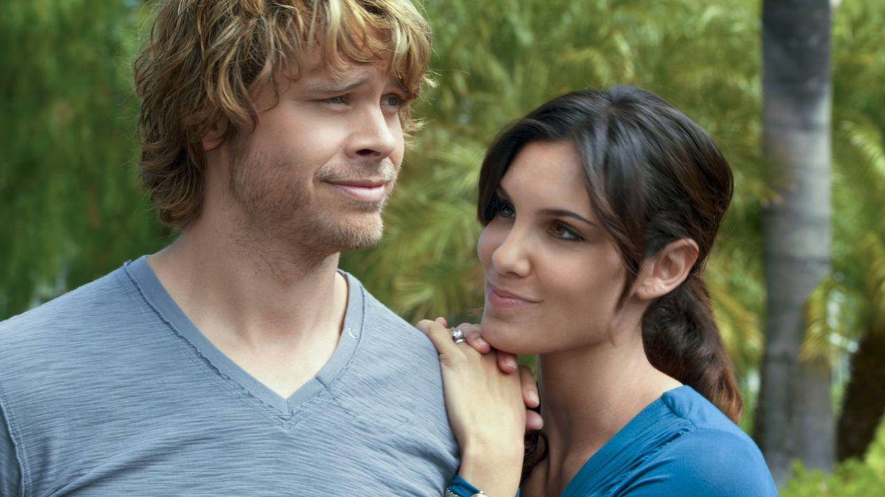 Um einen neuen Fall zu lösen, müssen Kensi (Daniela Ruah, r.) und Deeks (Eric Christian Olsen, l.), undercover als Ehepaar ermitteln ... - Bildquelle: CBS Studios Inc. All Rights Reserved.
