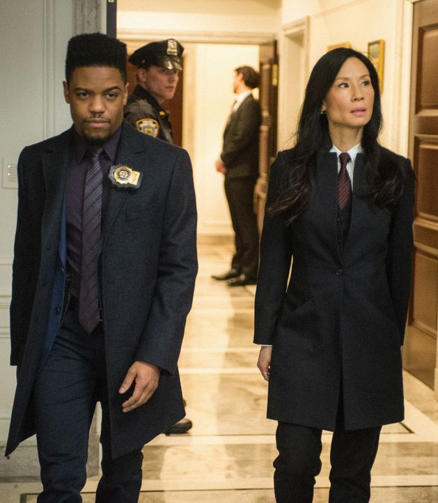 (v.l.n.r.) Detective Marcus Bell (Jon Michael Hill); Dr. Watson (Lucy Liu) - Bildquelle: Jeff Neira 2017 CBS Television. All Rights Reserved/Jeff Neira