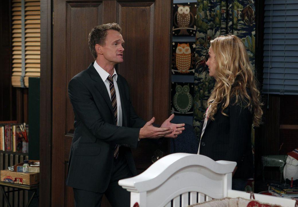Als Robin erfährt, dass Quinn (Becki Newton, r.) überhaupt nicht weiß, dass Barney (Neil Patrick Harris, l.) und sie früher zusammen waren, gerät di... - Bildquelle: 20th Century Fox International Television