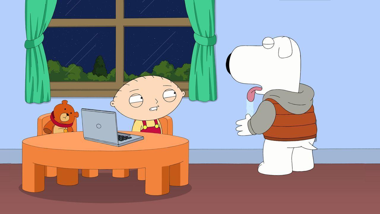 Während Meg nach wie vor ihre Entscheidung bereut, macht sich Stewie (l.) weiter über Brian (r.) lustig, weil er so schlechte Testergebnisse erzielt... - Bildquelle: 2015-2016 Fox and its related entities. All rights reserved.