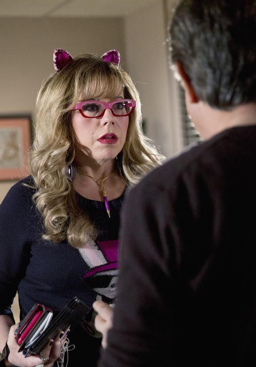 Als ein Serienkiller in Tallahassee sein Unwesen treibt, beginnt für Rossi (Joe Mantegna, r.) und Garcia (Kirsten Vangsness, l.) ein Wettlauf gegen... - Bildquelle: ABC Studios