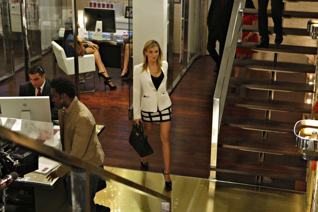 In ihrer Arbeit weiß sich Ella (Katie Cassidy) immer durchzusetzen - doch in ihrem Liebesleben erleidet sie harte Rückschläge... - Bildquelle: 2009 The CW Network, LLC. All rights reserved.