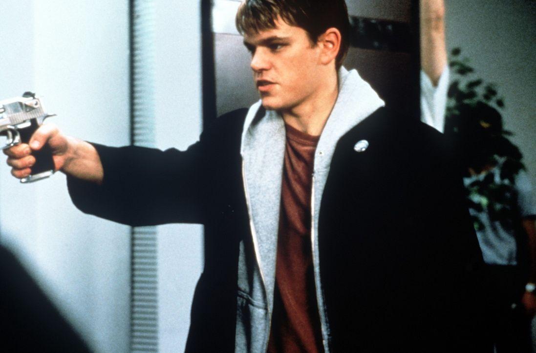 Die lange Reise aus dem langweiligen Wisconsin ins turbulente New Jersey kann Engel Loki (Matt Damon) sinnvoll zur Ausrottung unverbesserlicher Sün... - Bildquelle: Kinowelt