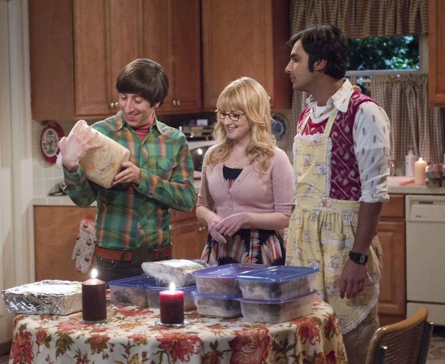 Als sie feststellen, dass der Gefrierschrank in Mrs. Wolowitz' Haus kaputt ist, organisieren sie ihr zu Ehren ein ganz besonderes Essen: Howard (Sim... - Bildquelle: Warner Bros. Television