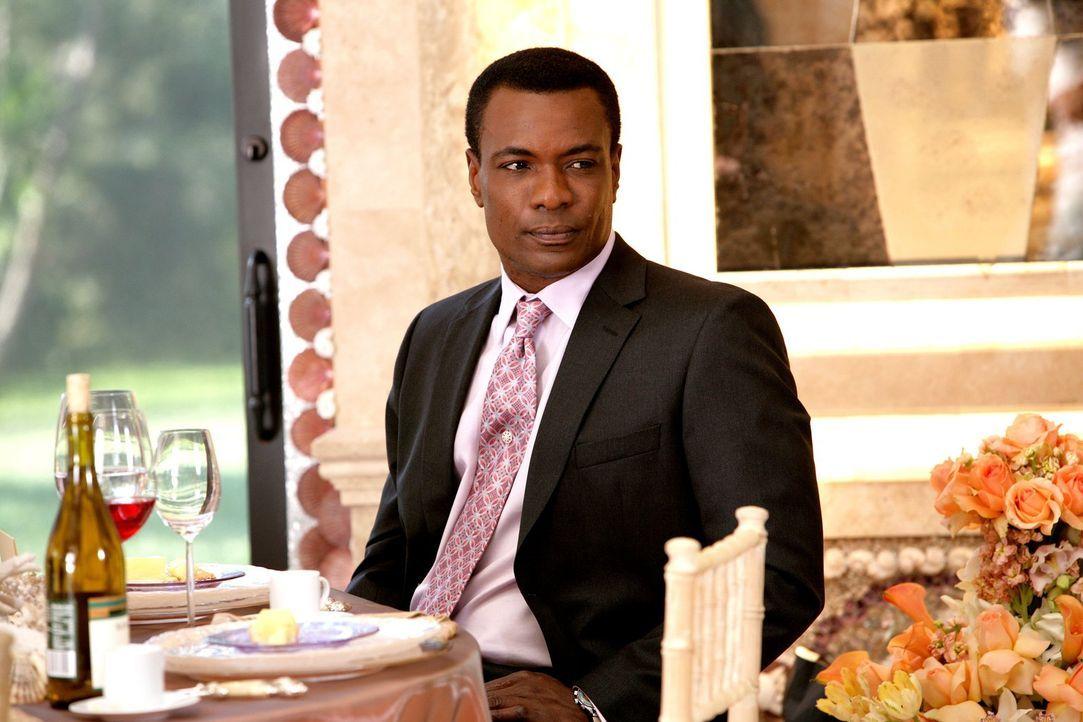 Marco (Allan Louis) wird von seinem Freund Keith gedrängt, seinen Job aufzugeben und sein eigenes Kaffee zu eröffnen ... - Bildquelle: Warner Bros. Television