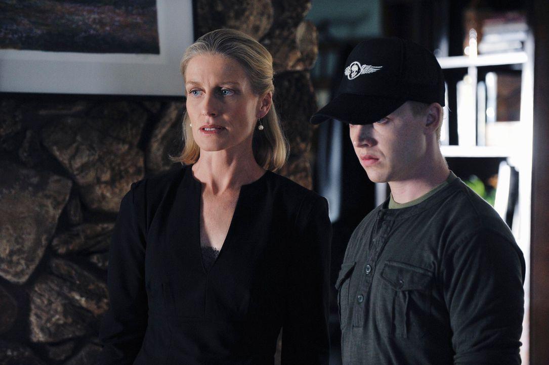 Bei den Ermittlungen stößt das Team auf Jason Wheeler (Noel Fisher, r.) und seine Mutter Amy (Jessica Tuck, l.). Doch haben die mit den Morden wirkl... - Bildquelle: ABC Studios
