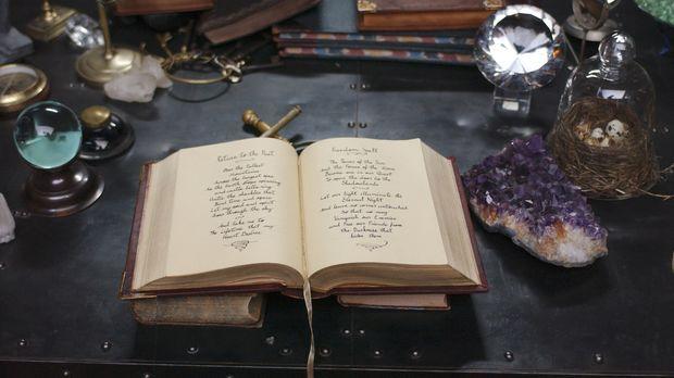 Birgt einen Haufen Geheimnisse in sich: das magische Zauberbuch ... © Disney...