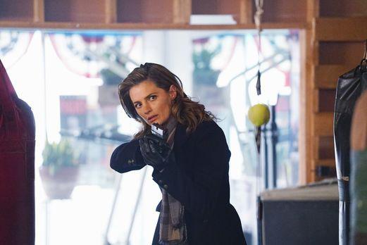 Castle - Eigentlich will Kate (Stana Katic) ihre neue Kollegin aus den Händen...