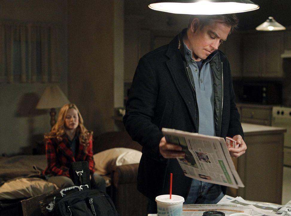 Während Tony (Michael Weatherly, r.) und seine Kollegen den Mord an einem Navy Commander untersuchen, stoßen sie auf den Aufenthaltsort von E.J. Bar... - Bildquelle: CBS Television