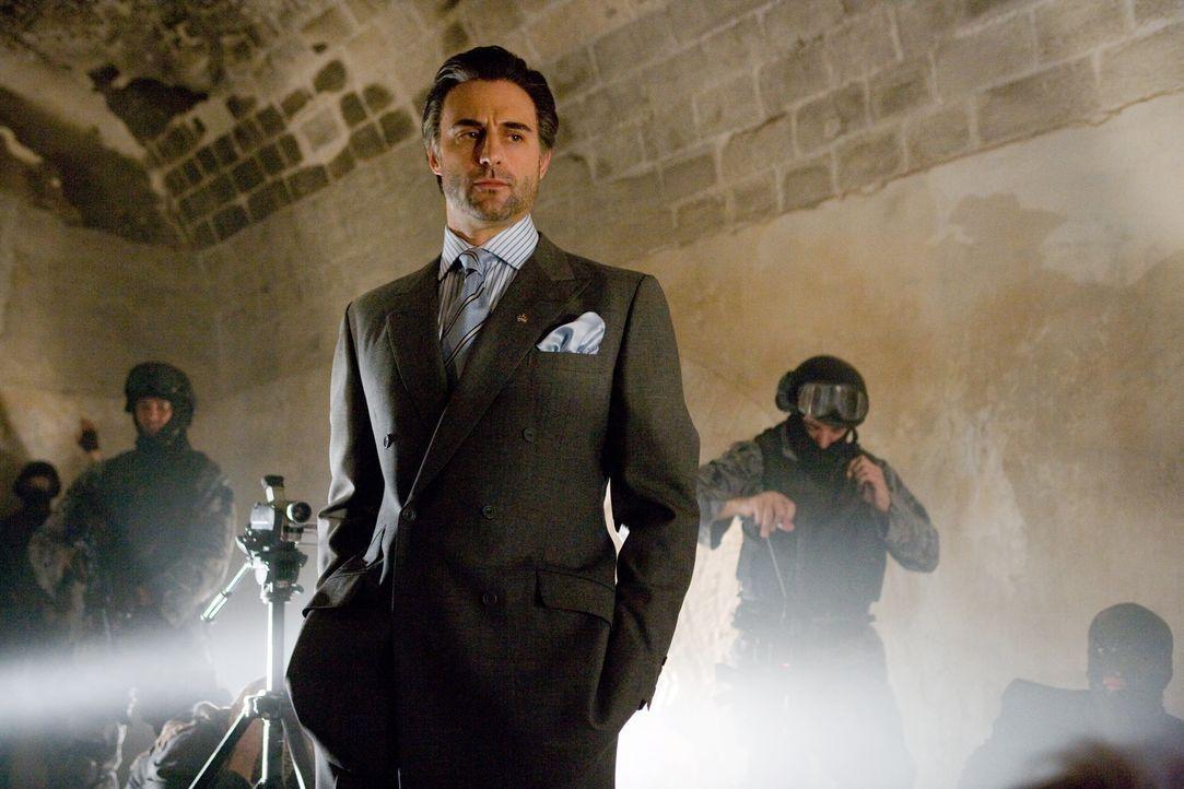 CIA-Agent Ferris kann nur auf einen zurückgreifen: den jordanischen Geheimdienst-Chef Hani (Mark Strong), der ebenfalls eher auf altbewährte Methode... - Bildquelle: Warner Brothers