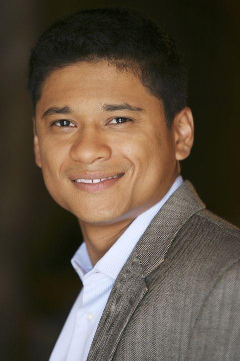 (1. Staffel) - Marc (Jorge Pallo) steht den Schülern mit Rat und Tat zur Seite ... - Bildquelle: ABC Family