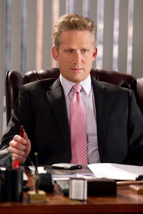 Ein neuer Fall fordert seine besten Fähigkeiten als Anwalt heraus: Damien Karp (Reed Diamond) ... - Bildquelle: Karen Neal 2011 Sony Pictures Television Inc. All Rights Reserved.