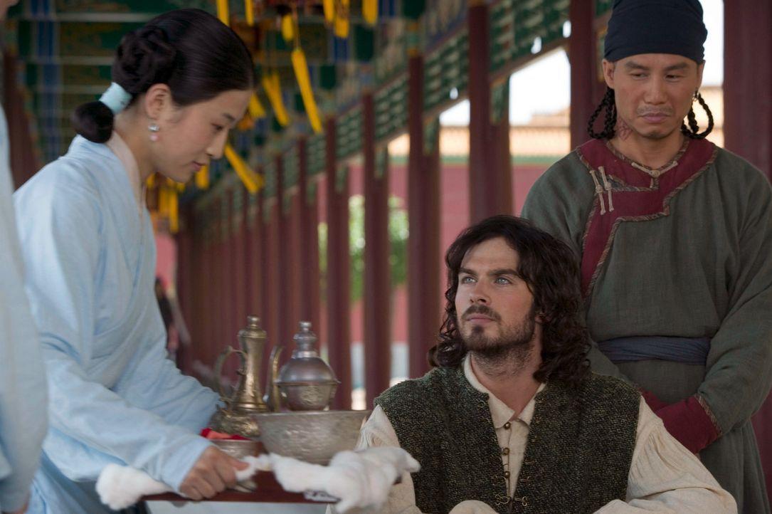 Noch ahnen die Freunde nicht, was ihnen bevorsteht: Marco Polo (Ian Somerhalder, M.) Kensai (Desiree Ann Siahaan, l.) und Pedro (B.D. Wong, r.). - Bildquelle: 2006 RHI Entertainment Distribution, LLC