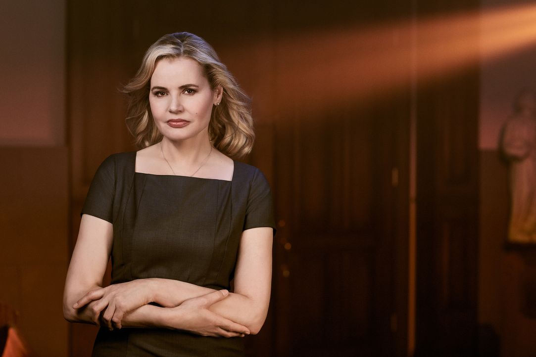 (1. Staffel) - Als Angela Rance (Geena Davis) in ihrem Haus erschreckende Entwicklungen beobachtet, werden bei ihr alte Erinnerungen wach und sie su... - Bildquelle: 2016 Fox and its related entities.  All rights reserved.