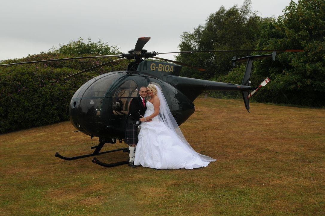 Cameron will es allen recht machen und verstrickt sich schnell in dem Kampf um die beste Hochzeit ... - Bildquelle: Cheryl Burdett
