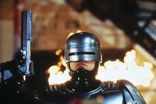 RoboCop 3 - Der RoboCop (Robert John Burke) soll bei der Errichtung einer Zuk...