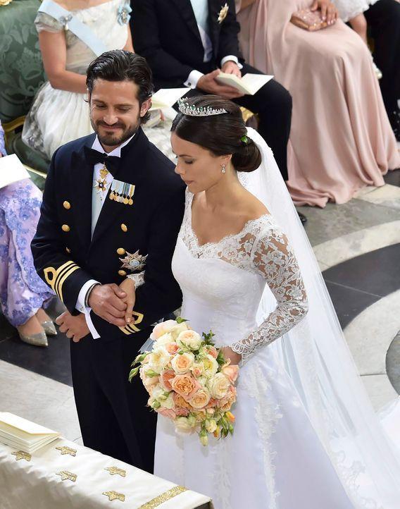 Hochzeit-Prinz-Carl-Philip-Sofia-Hellqvist-15-06-13-2-dpa - Bildquelle: dpa