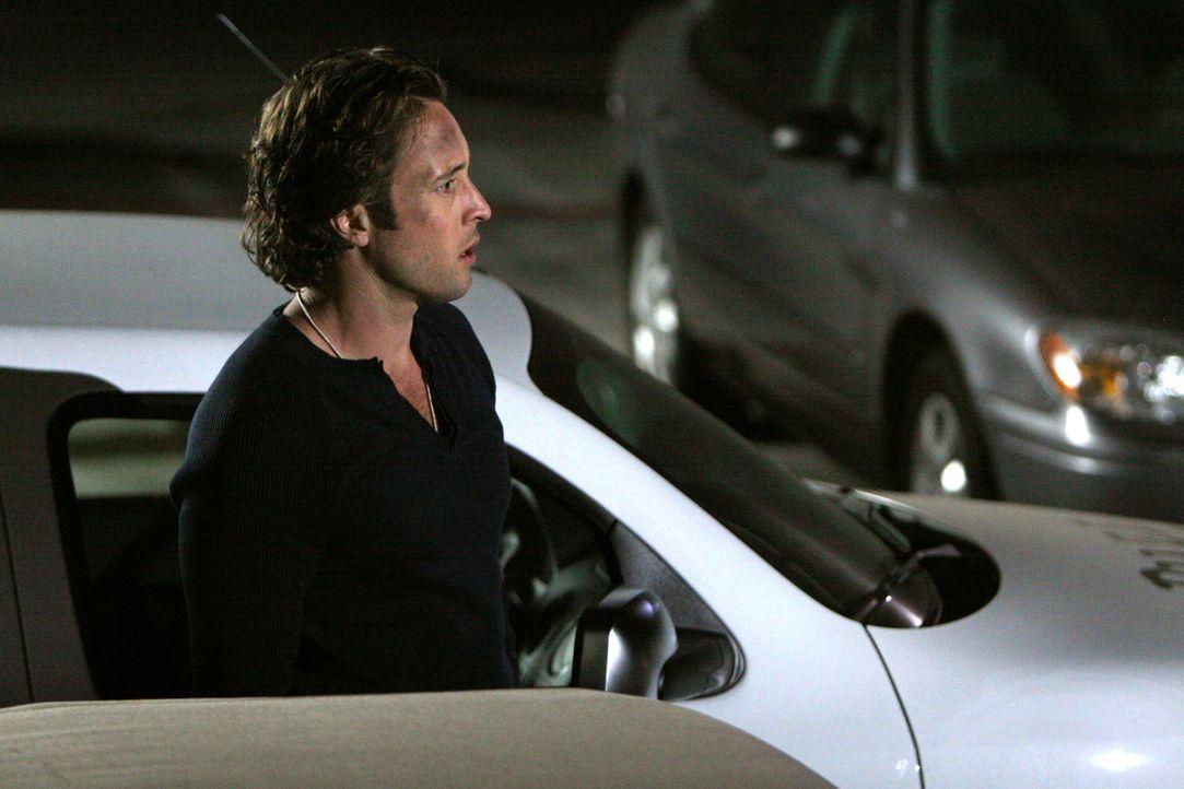 Gerade noch hat es Mick (Alex O'Loughlin) geschafft, sein Leben zu retten. Doch auf den Vampirdetektiv wartet bereits der nächste Fall ... - Bildquelle: Warner Brothers