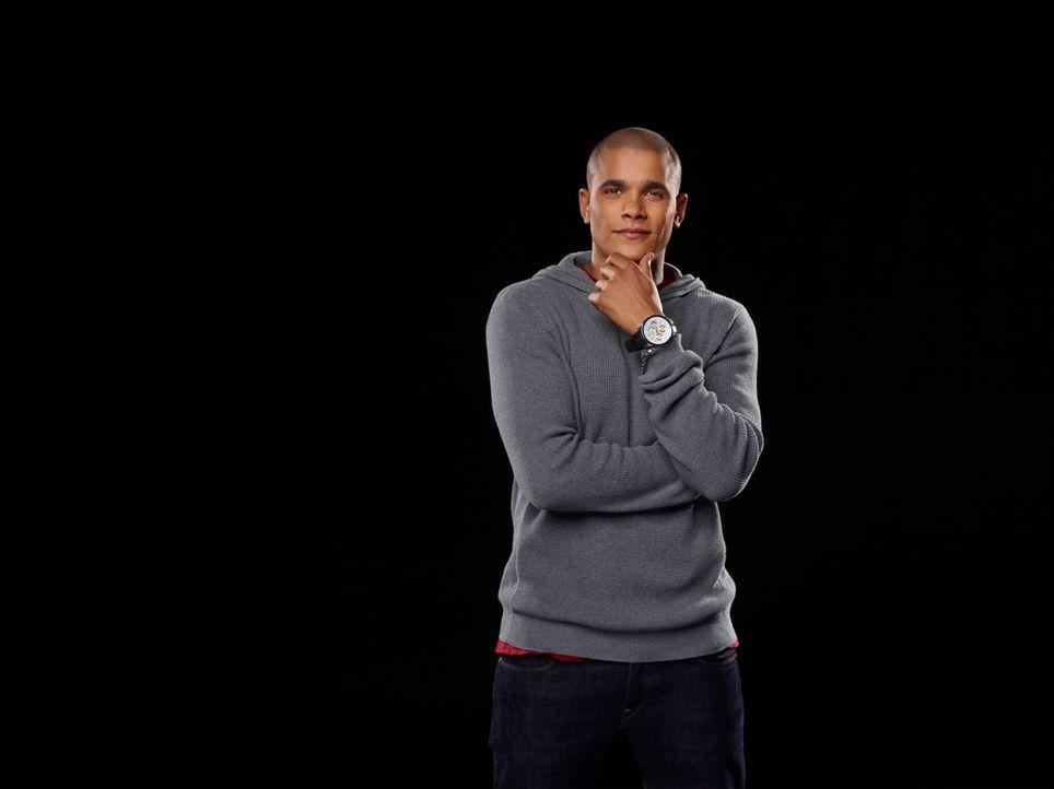 (1. Staffel) - Wird German Vega (Jonathan 'Lil J' McDaniel) seine Freundin an die Cheerleading-Welt und die Basketballspieler verlieren? - Bildquelle: 2013 Starz Entertainment LLC, All rights reserved