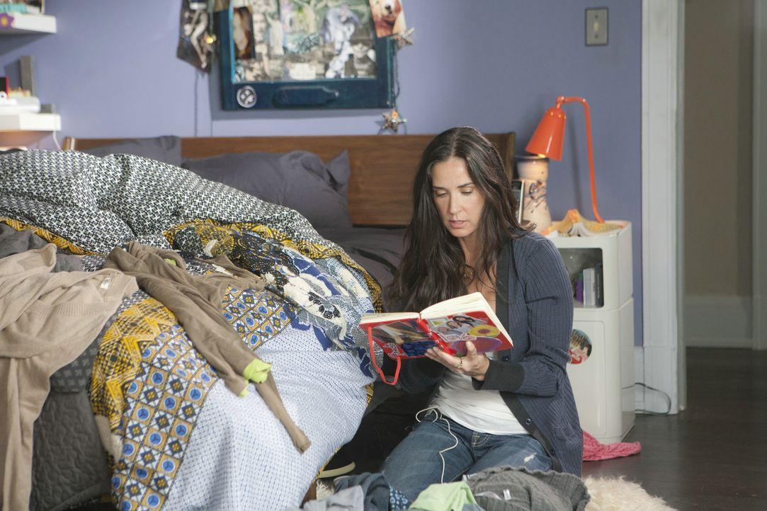Als Anne (Demi Moore) beim Aufräumen das Tagebuch ihrer 16-jährigen Tochter in die Hände fällt, kann sie der Versuchung, es zu lesen, nicht widerste... - Bildquelle: Constantin Film Verleih GmbH