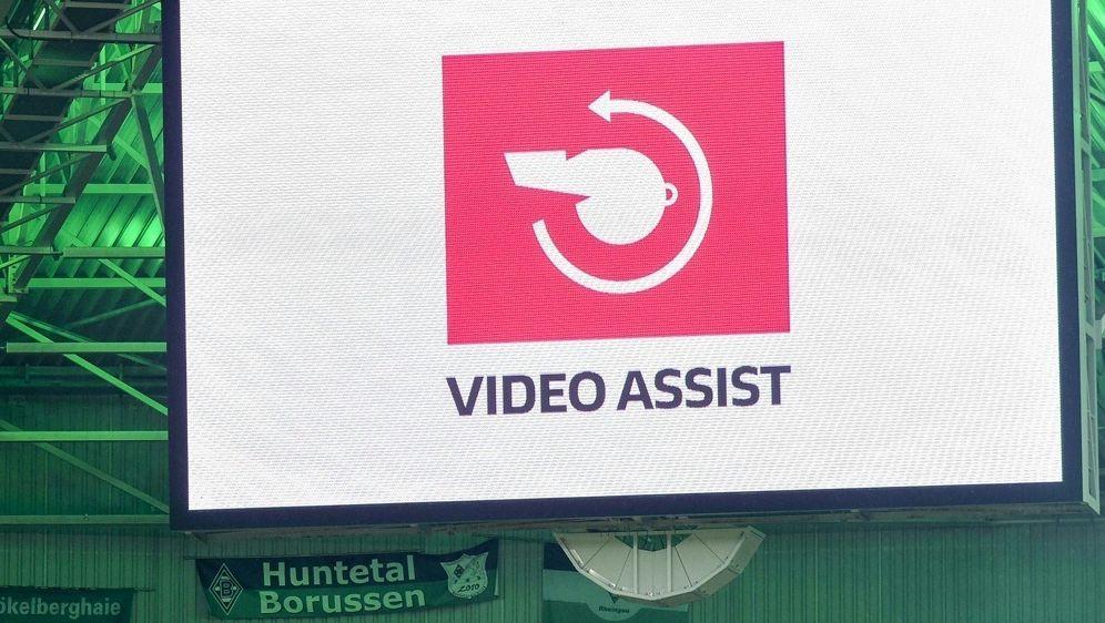 Der Videobeweis soll künftig transparenter werden - Bildquelle: PIXATHLONPIXATHLONSID