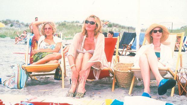Carrie (Sarah Jessica Parker, l.), Sam (Kim Cattrall, M.), Miranda (Cynthia N...
