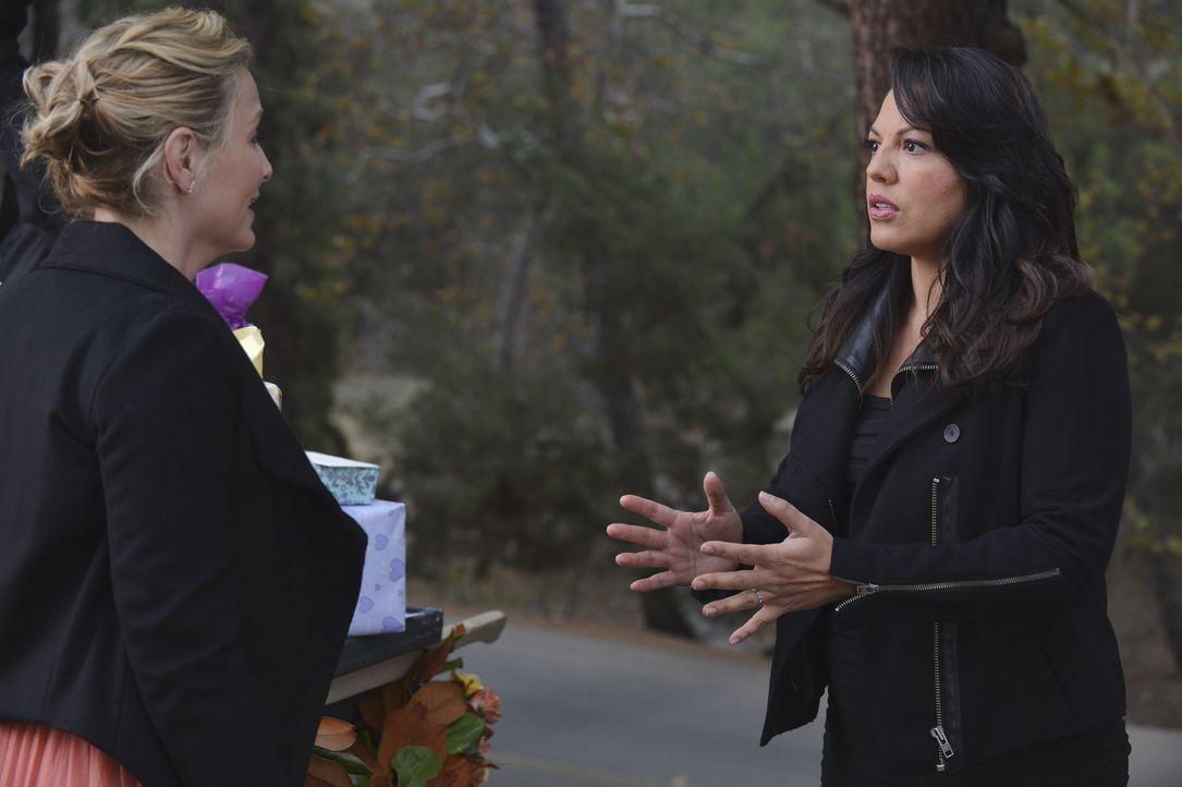 Während sich April für Jackson entschieden hat, scheint Arizona (Jessica Capshaw, l.) ihrer Ehe mit Callie (Sara Ramirez, r.) keine Chance mehr zu g... - Bildquelle: ABC Studios