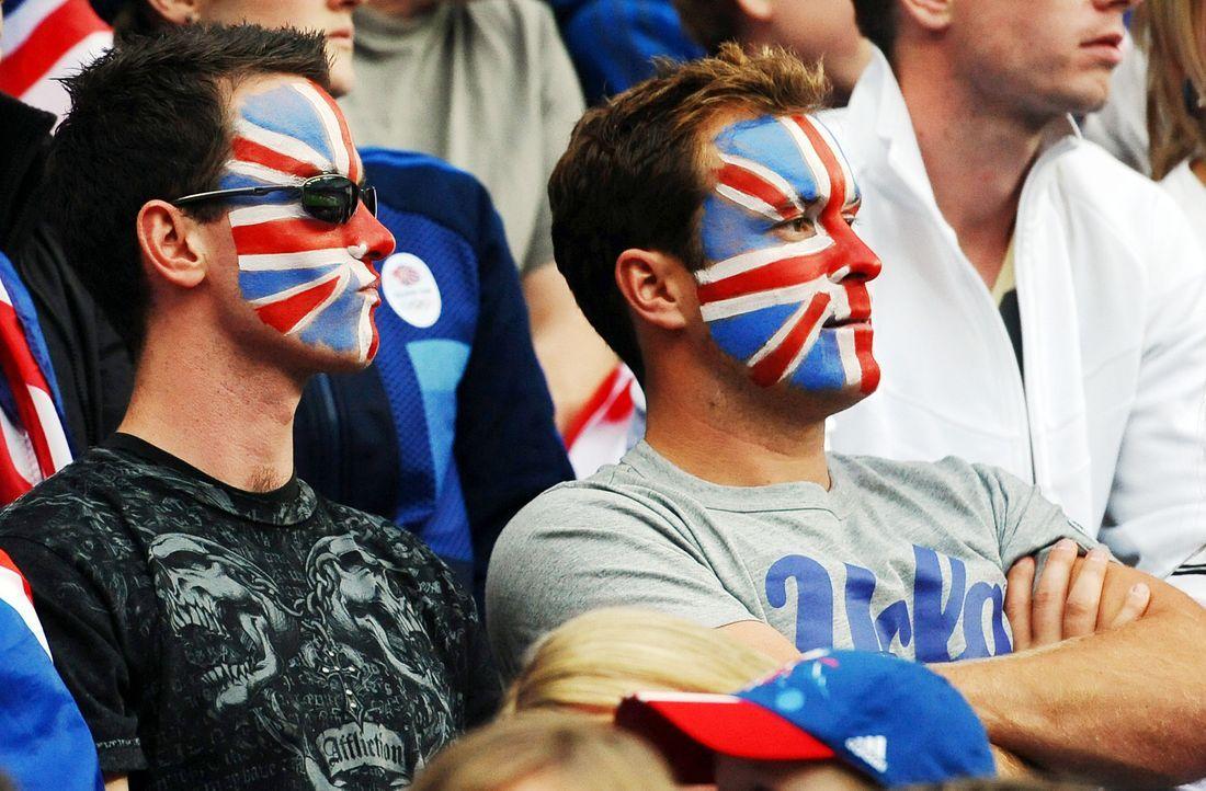 """""""Kriegsbemalung"""" der englischen Fans - Bildquelle: AFP"""