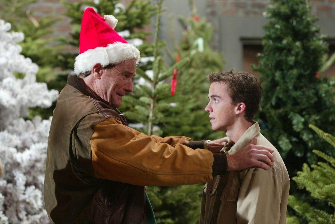 Hal (Bryan Cranston, l.) ist überwältigt, als Malcolm (Frankie Muniz, r.) ihm seine Hilfe anbietet ... - Bildquelle: TM +   2000 Twentieth Century Fox Film Corporation. All Rights Reserved.