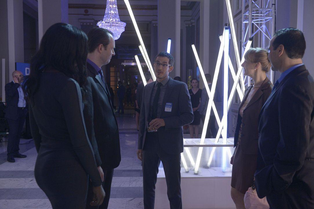 Wird Simon (Tate Ellington, M.) seine Mission erfolgreich ausführen? - Bildquelle: 2015 ABC Studios