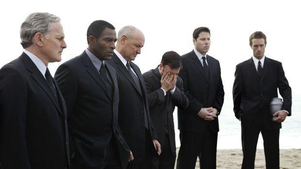 Rückblick: Jack (Victor Garber, l.), Marcus (Carl Lumbly, 2.v.l.), Kendall (T...