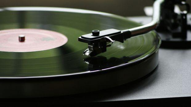 Wichtig bei der sachgemäßen Behandlung von Schallplatten ist eine hochwertige...