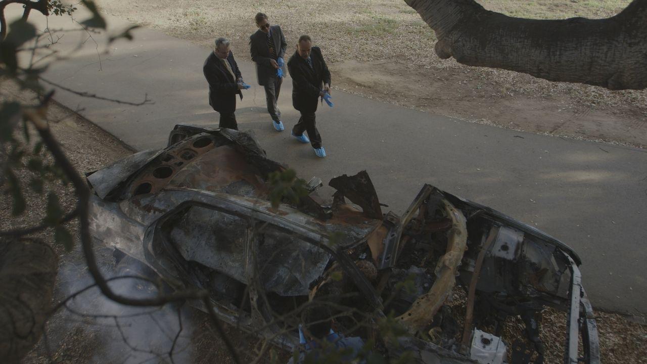 In einem ausgebrannten Autowrak findet die Polizei von San Diego die Leiche des 37-jährigen David Stevens. Die Ermittler sind sich schnell sicher: D... - Bildquelle: LMNO Cable Group