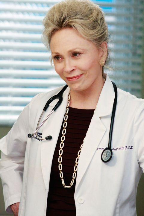 Cristina behandelt den Patienten John Terzian, auf dessen Bauch sich eine schlecht verheilte Operationsnarbe befindet. Cristina findet heraus, dass... - Bildquelle: Touchstone Television