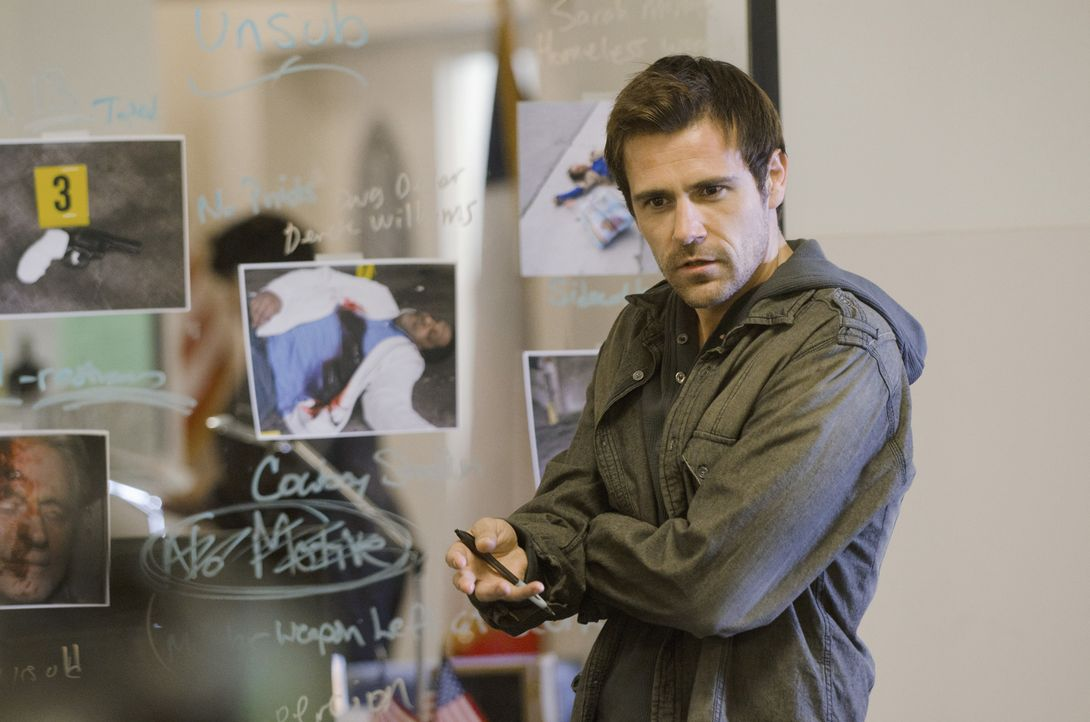 Gibt alles, um einen neuen Fall zu lösen: Mick (Matt Ryan) ... - Bildquelle: ABC Studios