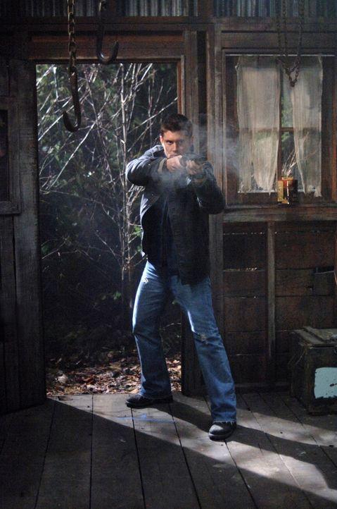 Im Kampf gegen einen wütenden Geist: Dean (Jensen Ackles) ... - Bildquelle: Warner Bros. Television