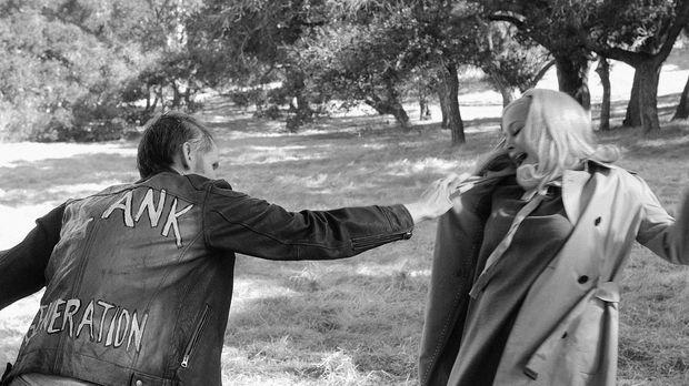 Allison (Patricia Arquette, r.) findet sich im Traum im Film